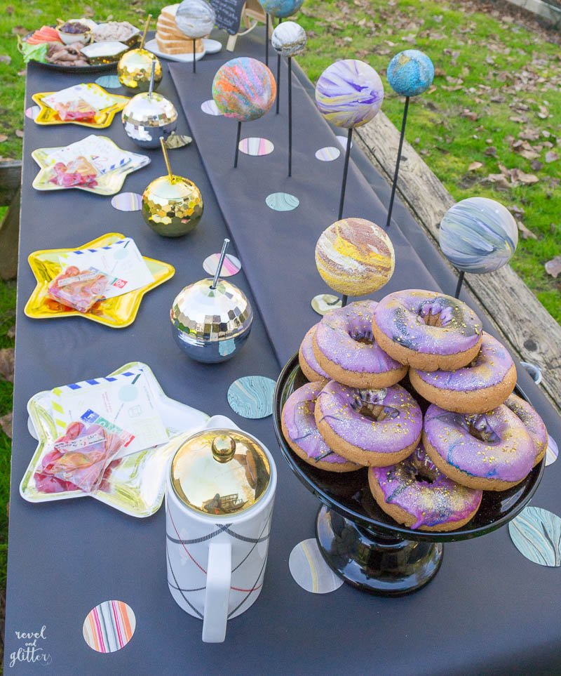 A Wrinkle In Time Party Table - Revel and Glitter